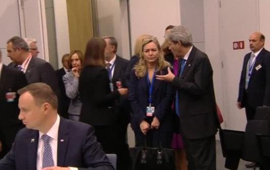 NATO đồng ý gia tăng chi tiêu quốc phòng và gia nhập liên minh chống ISIS của Mỹ
