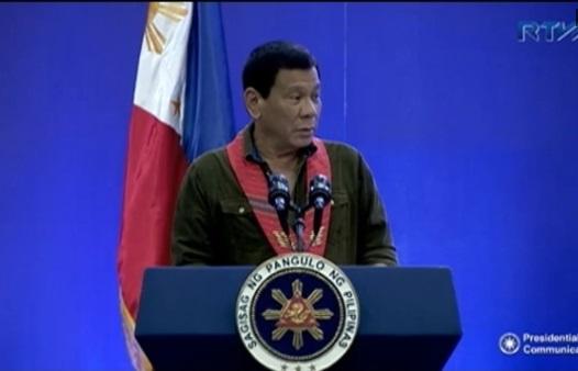 Tổng thống Duterte tố Tập Cận Bình dọa gây chiến nếu Phi khoan dầu trên Biển Đông