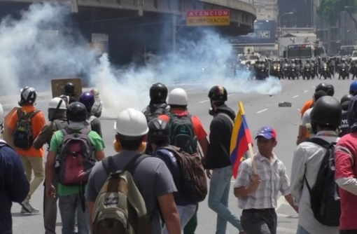 Lại đụng độ giữa người biểu tình chống chính phủ với lực lượng an ninh Venezuela