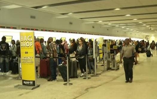 Phi trường Florida náo loạn sau khi Spirit Airlines hủy hàng chục chuyến bay