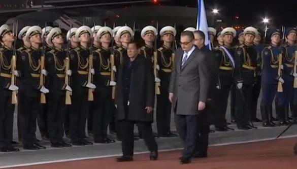 Tổng thống Philippines cắt ngắn chuyến viếng thăm Nga vì vụ tấn công của Phiến Quân Hồi Giáo