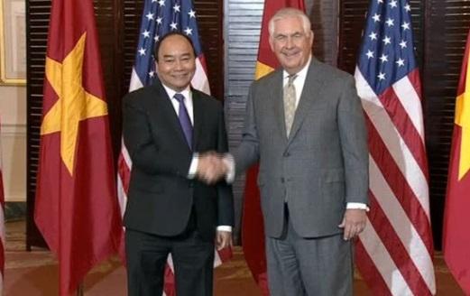 Ngoại Trưởng Rex Tillerson gặp Nguyễn Xuân Phúc ở Washington DC