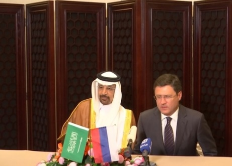 Nga và Saudi Arabia đồng ý cắt sản lượng dầu đến tháng 3 năm tới