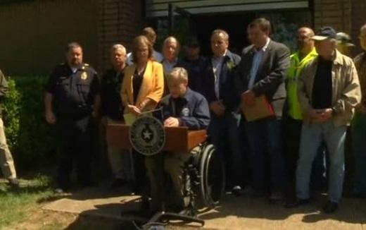 Thống đốc Texas: các cuộc tìm kiếm và cứu nạn nhân lốc xoáy vẫn tiếp tục