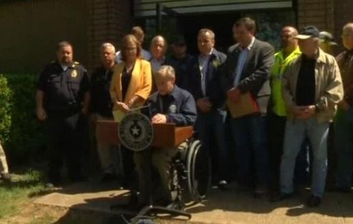 """Texas thông qua dự luật cấm """"thành phố trú ẩn"""""""