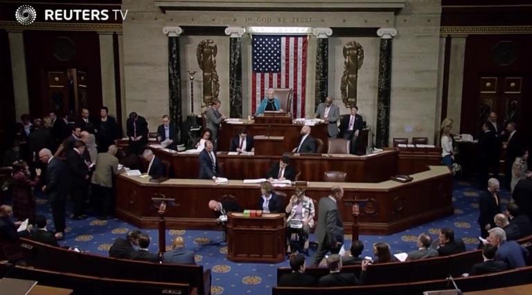 Quốc hội đạt thỏa thuận ngân sách liên bang 1,000 tỷ Mỹ kim tránh việc chính phủ đóng cửa
