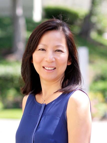 Nữ bác sĩ Trần Mai Khanh tranh cử đối đầu với dân biểu Ed Royce tại Nam Cali