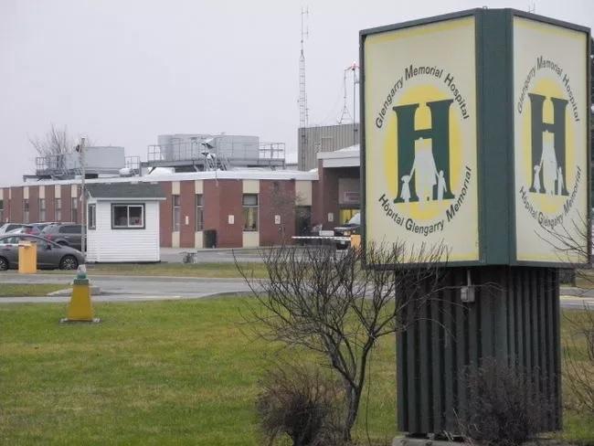 Hai người gốc Việt ở Ottawa bị bắt vì bỏ người gần chết trước bệnh viện