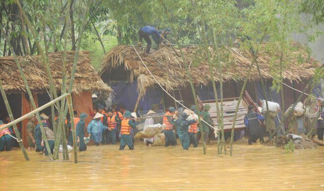 Nổ mìn diễn tập ứng phó bão lụt ở Phú Thọ, 3 người bị thương