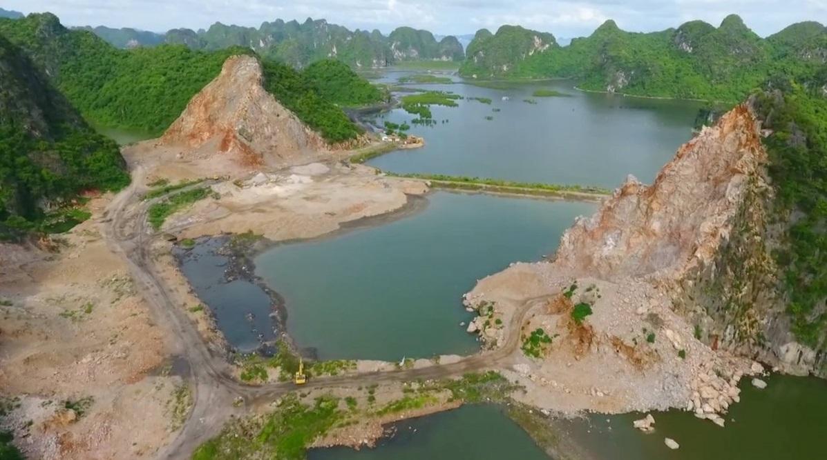 Flycam khám phá hiện trường khai thác đá tàn phá Vịnh Hạ Long