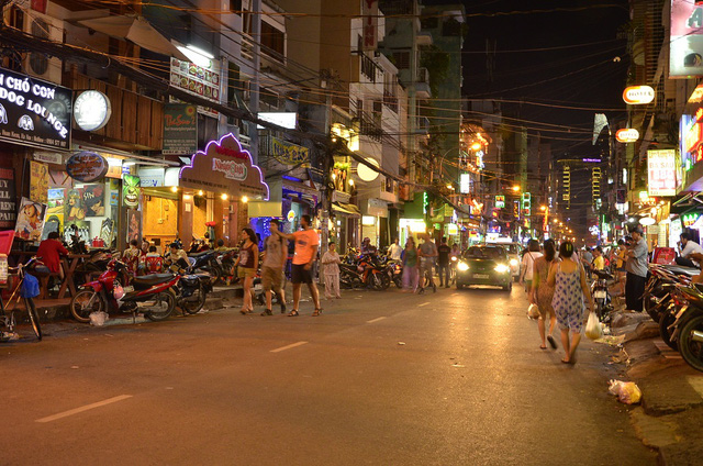 Du khách Mỹ bị đâm chết ở phố Tây Sài Gòn