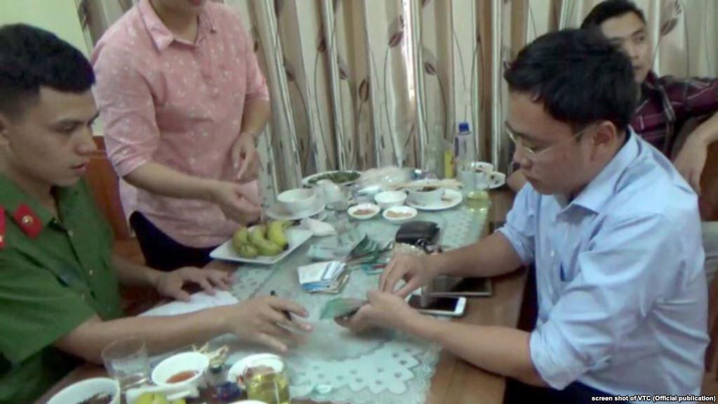 Nhà báo phanh phui tài sản khổng lồ của quan chức bị công an CSVN truy tố