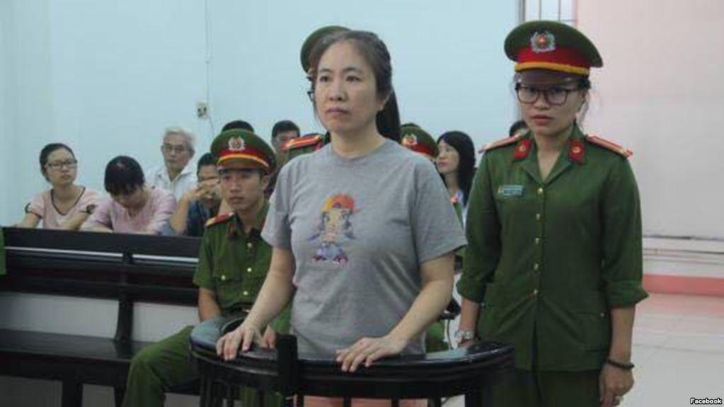 Blogger Mẹ Nấm bị tuyên án 10 năm tù giam