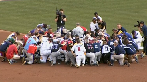Trận đấu baseball của Quốc Hội vẫn được diễn ra sau vụ nổ súng, mang sự đoàn kết đến cho người Mỹ