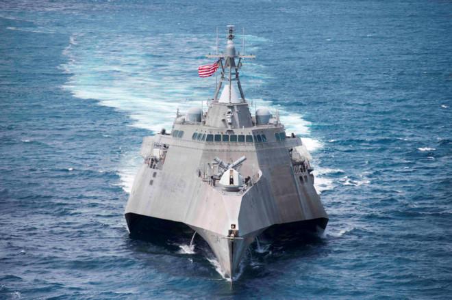 Chiến hạm tối tân USS Coronado của Hoa Kỳ ghé cảng Cam Ranh