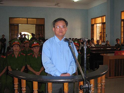 Mục sư Nguyễn Công Chính bị trả thù vì kể với viên chức lãnh sự Mỹ về kinh nghiệm trong tù