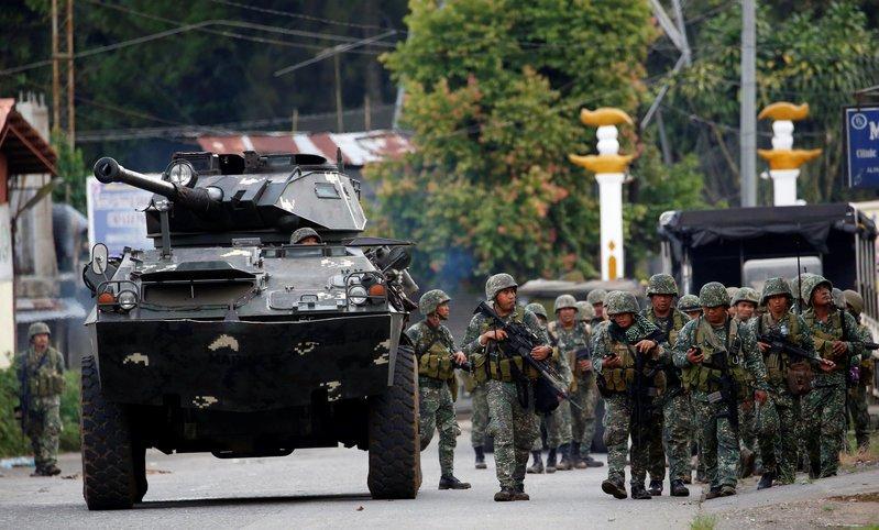 Hoa Kỳ giao vũ khí mới cho Philippines sau lời than phiền của tổng thống Duterte