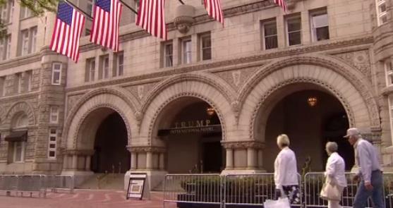 Trump Hotel nhận 270,000 Mỹ kim chiến dịch vận động hành lang có liên quan tới Ả Rập Saudi