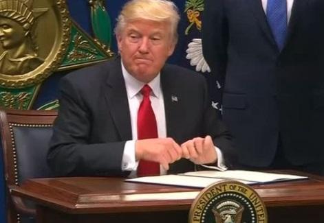 Ủy Ban Phân Bổ Hạ Viện đồng ý hạn chế quyền lực của tổng thống trong lĩnh vưc quân sự