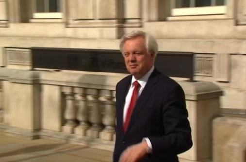 Không đảng nào dành được đa số ghế tại quốc hội: nước Anh nguy cơ bế tắc chính trị