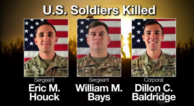 Quan tài 3 binh sĩ Mỹ tử thương ở Afghanistan được đưa về Hoa Kỳ