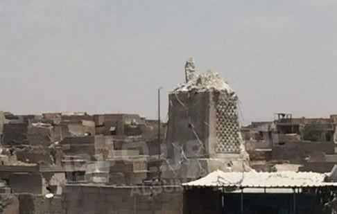 ISIS phá huỷ ngôi đền và ngọn tháp 840 năm tuổi Al-Nuri nổi tiếng tại Mosul