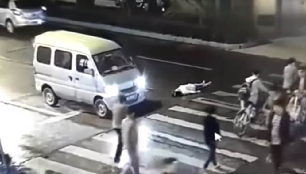 Video tai nạn giao thông ở Hồ Nam và sự băng hoại đạo đức trong xã hội Trung Cộng