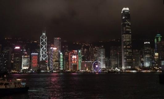 Người Trung Cộng yêu thích lối sống ở Hong Kong