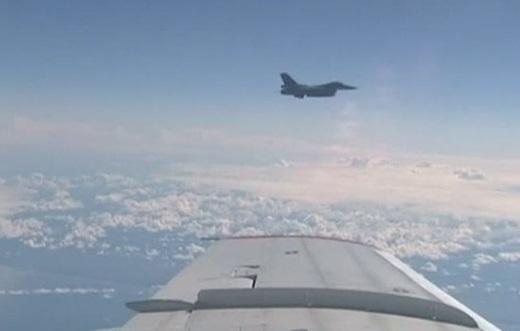 Phi cơ chở bộ trưởng quốc phòng Nga bị chiến đấu cơ NATO bám đuôi