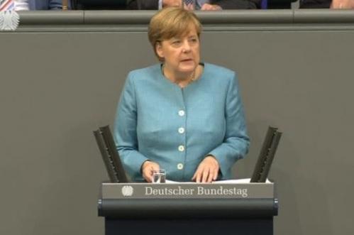 Thủ tướng Đức chỉ trích Brexit và chính sách America First
