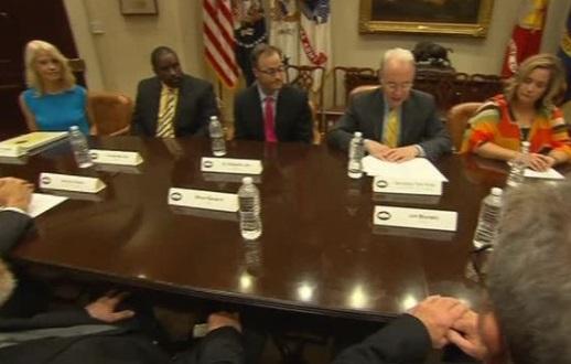 Đảng Cộng Hòa Thượng Viện ủng hộ việc hoãn công bố Dự Luật Bảo Hiểm Y Tế