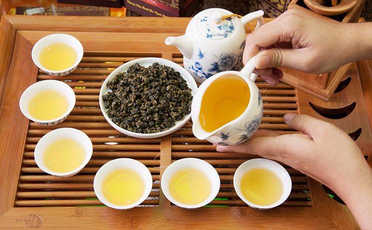 Nông dân Đài Loan thắng giải nhờ trà ô long giả từ Việt Nam