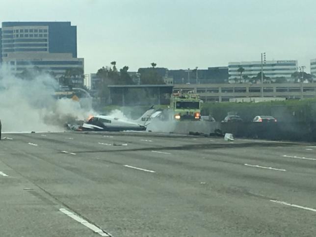 Phi cơ nhỏ gặp tai nạn rớt trên Freeway 405 gần Little Sàigòn, 2 người bị thương