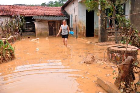 Sân golf đang xây ở Quảng Ninh sạt lở, nhiều gia đình phải di dời