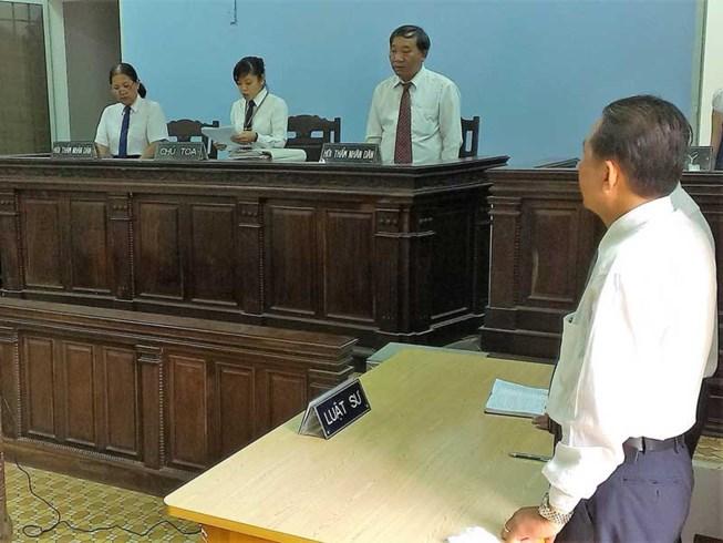 Luật sư Việt Nam lại bị đe dọa với nghị định 'cấm nói bậy trên mạng'