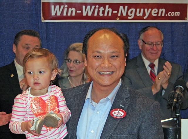 Doanh nhân Dennis Nguyễn tranh cử thư ký tiểu bang Minnesota