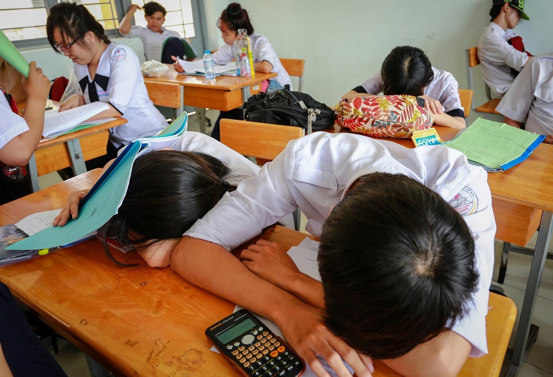 1 phần 3 học sinh tốt nghiệp trung học Việt Nam không xin vào đại học