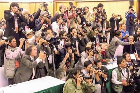 Quốc hội CSVN họp về 'phạt tiền tín ngưỡng', mời báo chí ra ngoài sau 5 phút