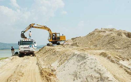 Nhiều công trình giao thông ở đồng bằng sông Cửu Long thiếu cát xây dựng