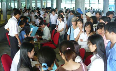 Số sinh viên thất nghiệp ở Việt Nam năm 2017 tăng hơn gấp rưỡi