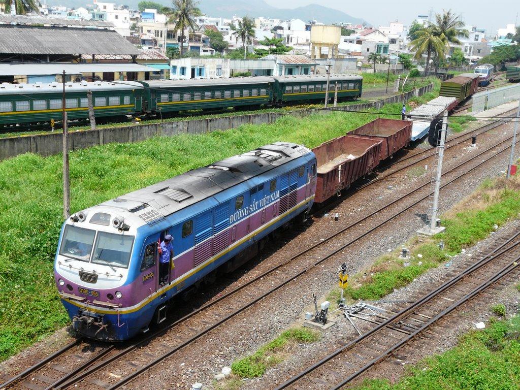 Bộ trưởng giao thông CSVN cảnh cáo đường sắt Việt Nam 'có ngày phá sản'