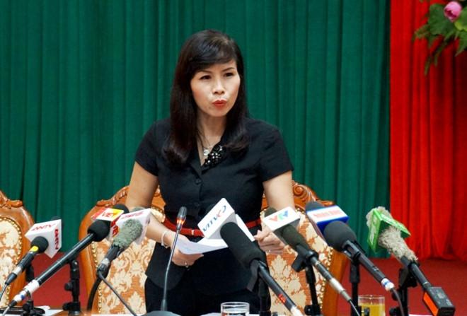 Phó chủ tịch quận ở Hà Nội bị tố gọi chủ tịch phường đến quán cà phê trông xe