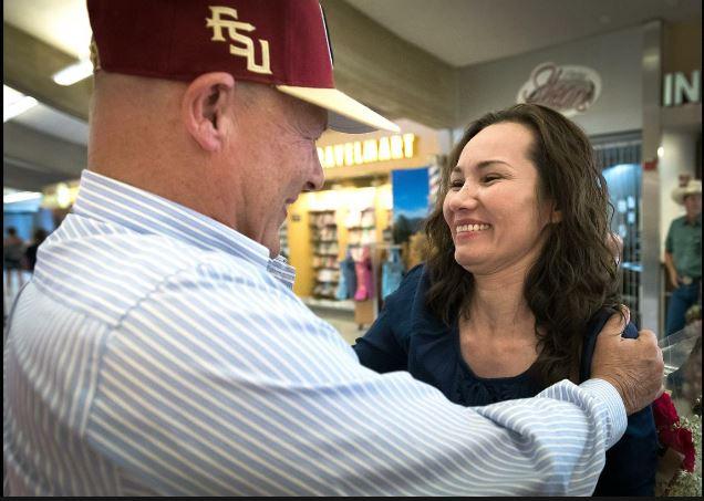 Cô gái hai dòng máu Mỹ-Việt hội ngộ cha ruột tại Spokane, tiểu bang Washington