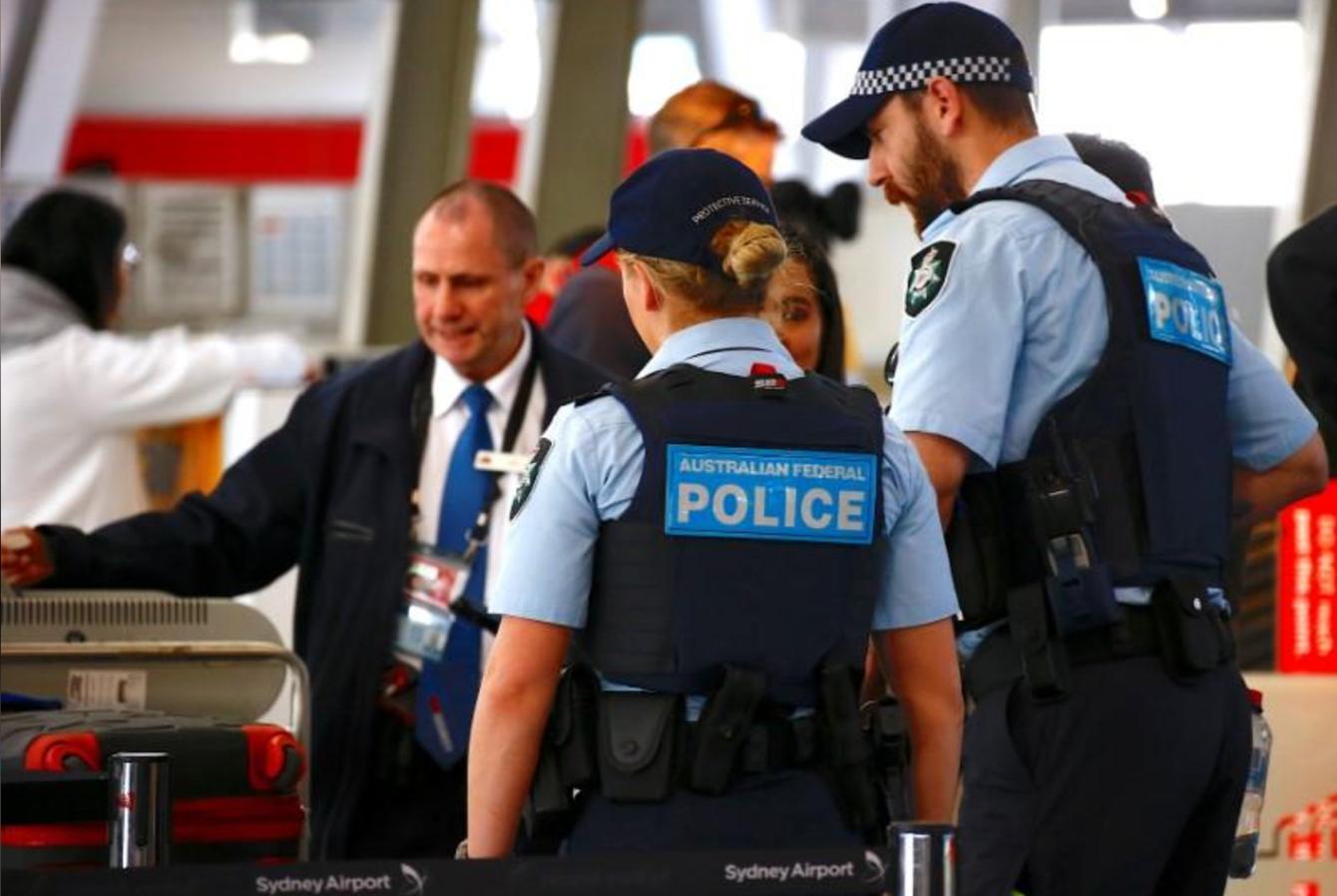 Phi trường Úc hoãn chuyến bay vì âm mưu khủng bố