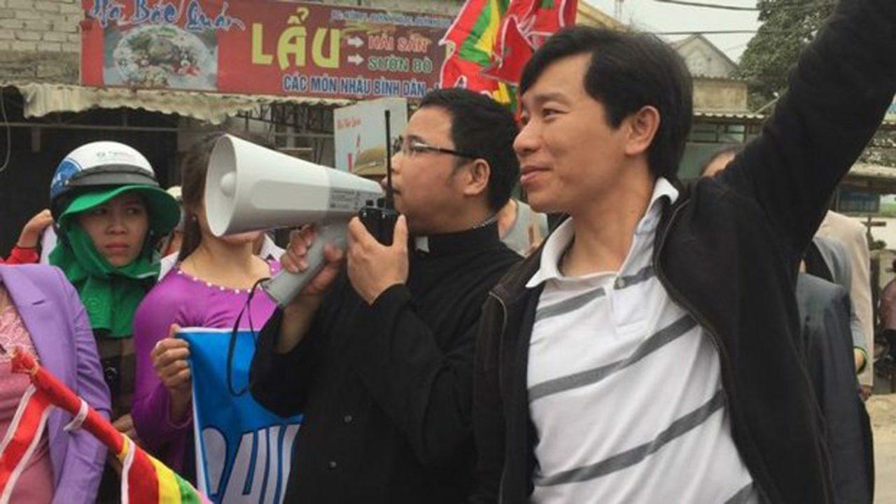 Hàng chục côn đồ ập vào nhà giáo dân Văn Thai đánh đập phụ nữ