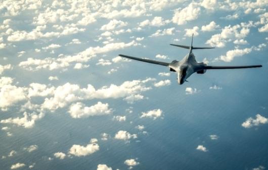 2 oanh tạc cơ B-1 bay qua không phận Nam Hàn