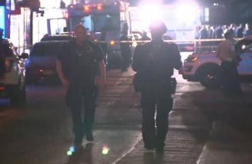 Cảnh sát New York bị bắn tử thương trong đêm 4 tháng 7, nghi can bị bắn chết
