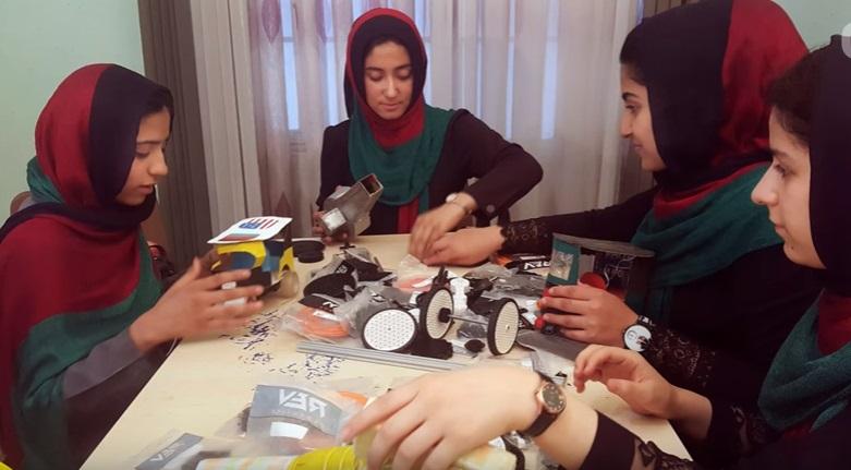 6 nữ sinh Afghanistan dự cuộc thi robot, 2 lần bị từ chối visa đã đến Hoa Kỳ