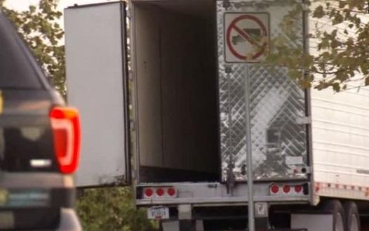 Tài xế chở gần 40 người trong xe container đối mặt tội danh buôn người