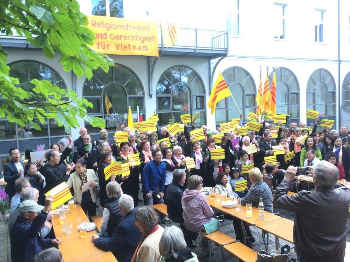 Thánh lễ cầu nguyện cho quê hương Việt Nam tại Đan Viện Saint Ottilien – Đức Quốc